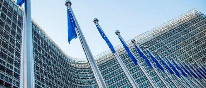 Le gouvernement français transmettra mercredi son projet de budget à la Commission européenne, qui s'exprimera ensuite dans les prochaines semaines.