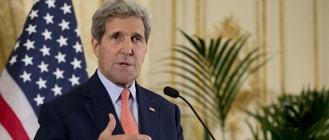 John Kerry annonce le retrait des troupes russes d'Ukraine.