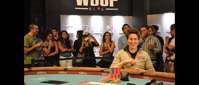 Première joueuse mondiale, Vanessa Selbst compte 10,5 millions de gains.