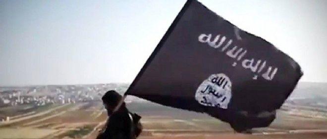 Capture d'écran d'une vidéo du 23 août montrant un djihadiste de l'État islamique dans la province d'Al-Anbar en Irak.