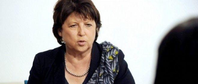 """Martine Aubry demande une """"réorientation de la politique économique""""."""