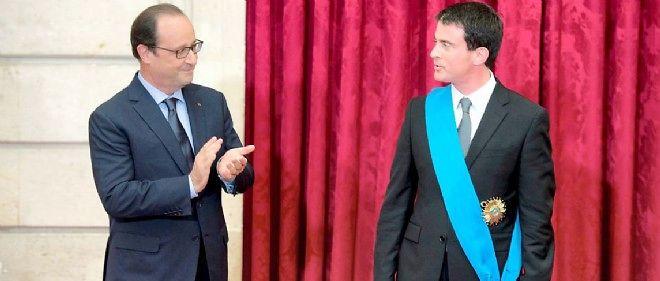 François Hollande a remis mercredi à Manuel Valls les insignes de grand croix de l'Ordre national du mérite.