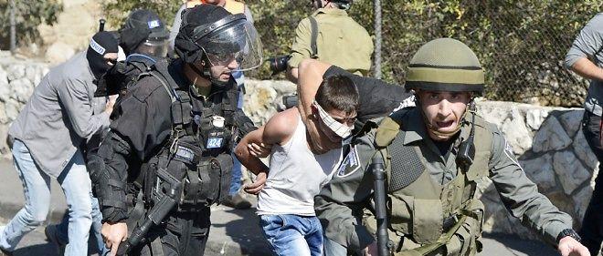 Dans plusieurs quartiers de Jérusalem, la police israélienne a tiré des balles en caoutchouc et des grenades lacrymogènes.
