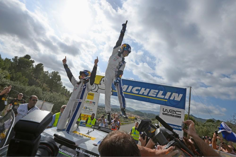 2 e titre mondial pour l'équipage français. Il en reste 7 à glaner pour égaler Loeb ©  Volkswagen