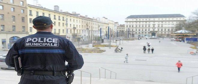 40 policiers municipaux supplémentaires pour Saint-Étienne.