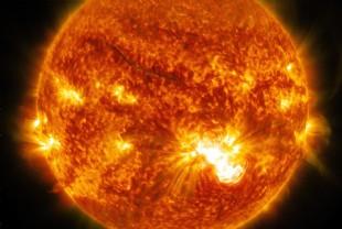 Une éruption solaire en vue   - Le Point 89f5d2bba70b
