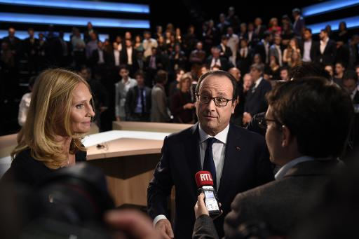 Karine Charbonnier, patronne d'une PME François Hollande sur le plateau de TF1 le 6 novembre 2014 à Aubervilliers © Martin Bureau Pool/AFP