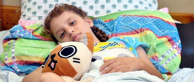 Dans une étude américaine portant sur 77 enfants, 30 parents ont choisi le traitement médical et 47, la chirurgie.