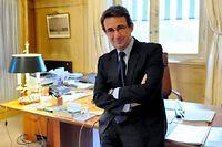 Élu de terrain, le maire de Neuilly plaide pour une révolution qui passeraient par les territoires. ©Witt/Sipa