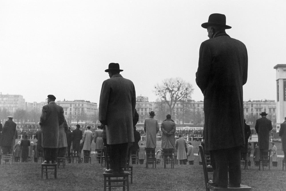 """Courses à Auteuil"" (1952), de Sabine Weiss ©  Sabine Weiss"