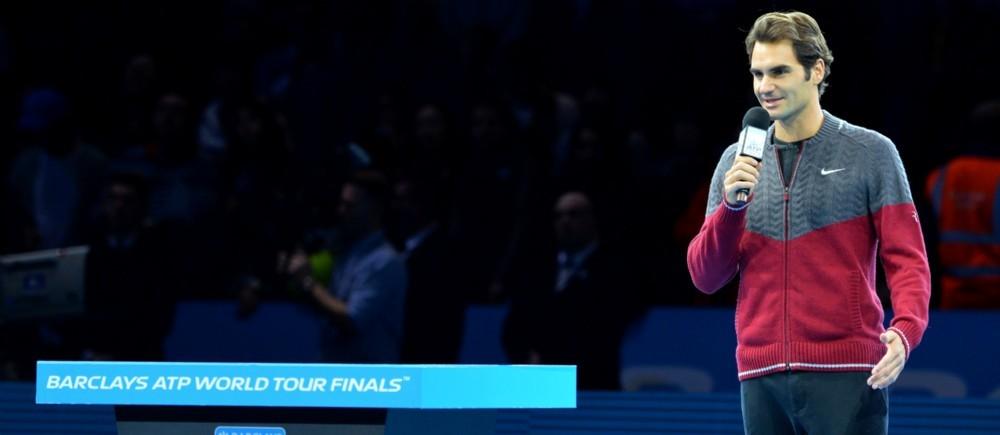 Contraint de déclarer forfait à moins d'une heure de sa finale de Masters face à Djokovic, Federer s'est adressé au public de l'O2 Arena.