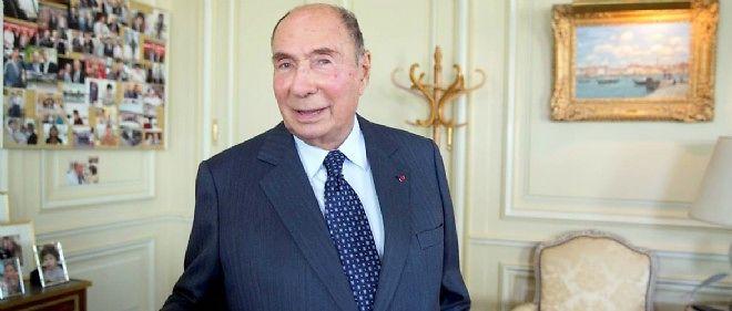 Le comptable suisse de Serge Dassault a décrit comment l'argent lui était remis : des liasses enveloppées dans du journal et transportées dans un sac en plastique.