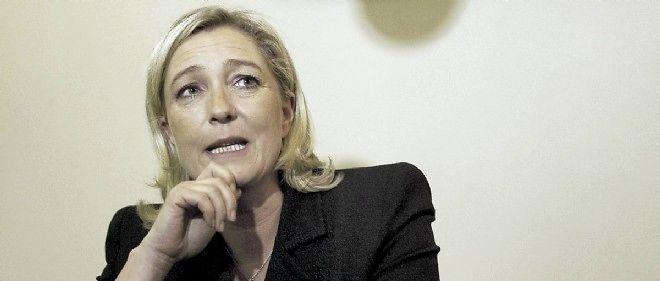 Marine Le Pen railleuse après la démission de Kader Arif.