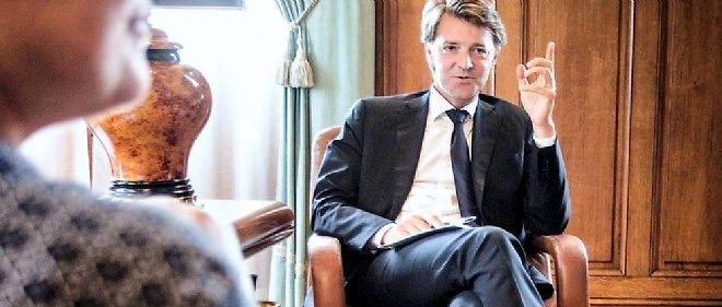 François Baroin trace discrètement un chemin ambitieux qui passe par la présidence de l'Association des maires de France.