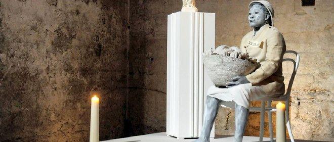 """Image d'""""Exhibit B"""" prise à Avignon en juillet 2013."""