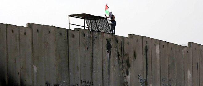 Cette démarche, non contraignante, s'inscrit dans un mouvement européen pour que la reconnaissance de la Palestine soit utilisée comme un moyen de pression sur Israël afin de relancer un processus de paix au point mort.