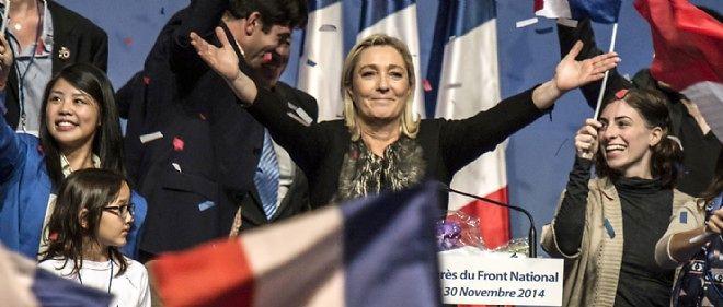 Marine Le Pen en clôture du 15e congrès du parti à Lyon.
