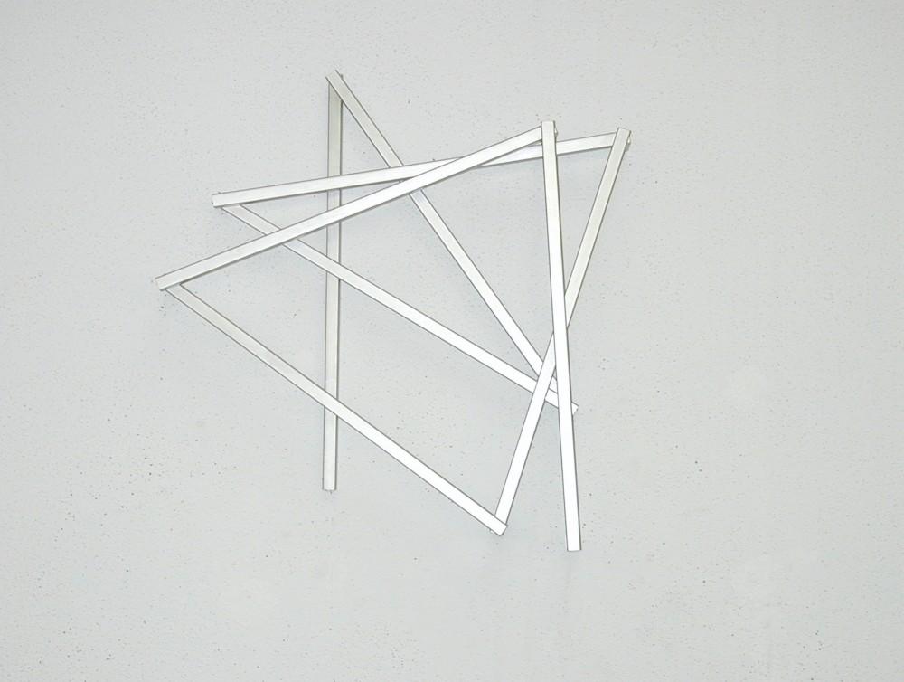 François Morellet, Pinox n°3, 1=10°, π suite du Pinox n°2: 9323846, 7 angles. 2002. ©  DR
