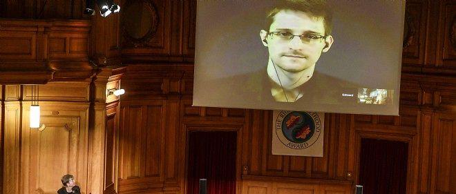 Edward Snowden lors d'une téléconférence organisée en Suède.