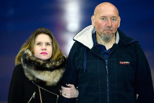 L'ex-otage français Serge Lazarevic en compagnie de sa fille, Diane, à son retour à Paris le 10 décembre 2014 © Bertrand Guay AFP/Archives