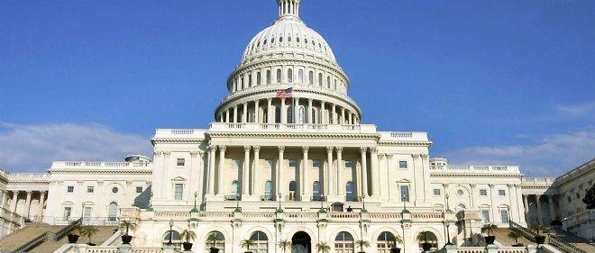 Les sénateurs américains tiennent ce samedi une session extraordinaire pour adopter le projet de budget de 1 014 milliards de dollars de dépenses.