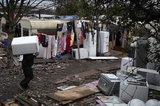 Un campement de Roms à Ivry-sur-Seine, en banlieue parisienne, le 18 décembre 2014 © Joël Saget AFP