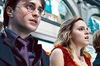 Harry Potter (Daniel Radcliffe), Hermione Granger (Emma Watson) et Ron Weasley (Rupert Grint). ©Heyday Films