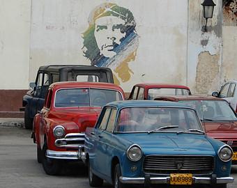 Le Che avait un faible pour la Stutbaker mais la Peugeot 404 a elle aussi peuplé les rues de La Havane ©  DR