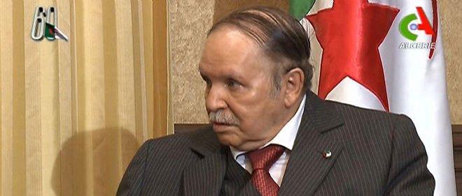 """Abdelaziz Bouteflika a qualifié la crise pétrolière de """"sévère""""."""