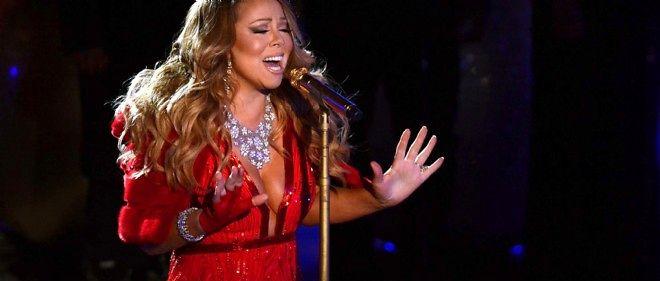 Mariah Carey chante au Rockefeller Center, le 4 décembre 2014 à New York.