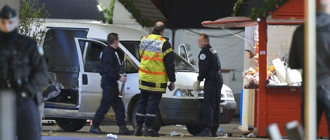 Le conducteur de la camionnette a fauché dix piétons sur le marché de Noël lundi à Nantes, dont un jeune homme qui est décédé.