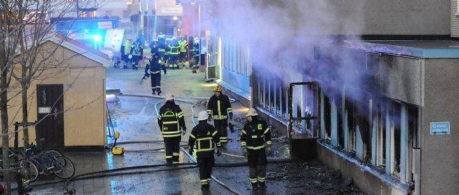 Un engin incendiaire a été jeté dans une mosquée en Suède.