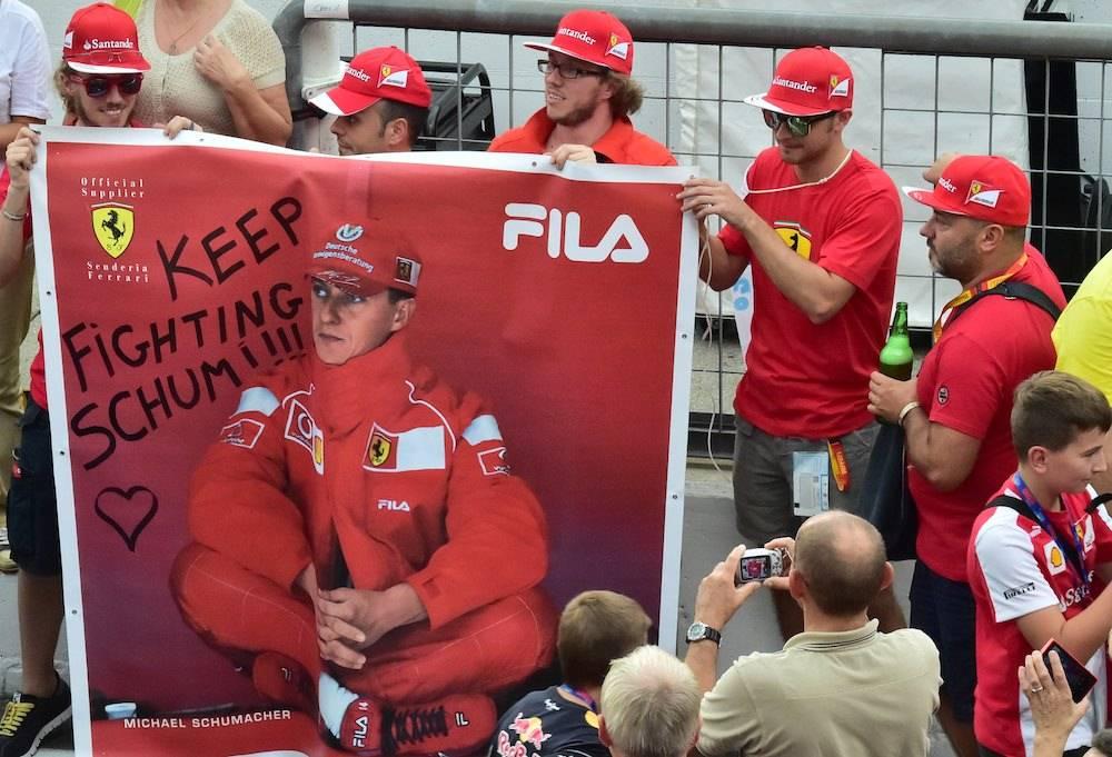 Les fans de Michael Schumacher, ici en Italie. ©  GIUSSEPPE CACACE/AFP