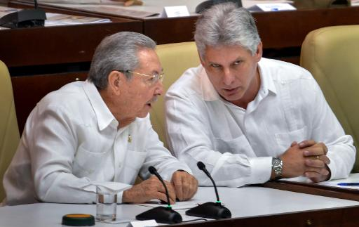 Le président cubain Raul Castro et le premier vice-président Miguel Diaz-Canel, au Parlement  le 20 décembre 2014 à La Havane © Adalberto Roque AFP/Archives