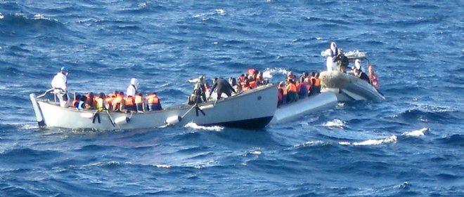 Le 4 décembre 2014, la marine italienne apporte son aide à des migrants.