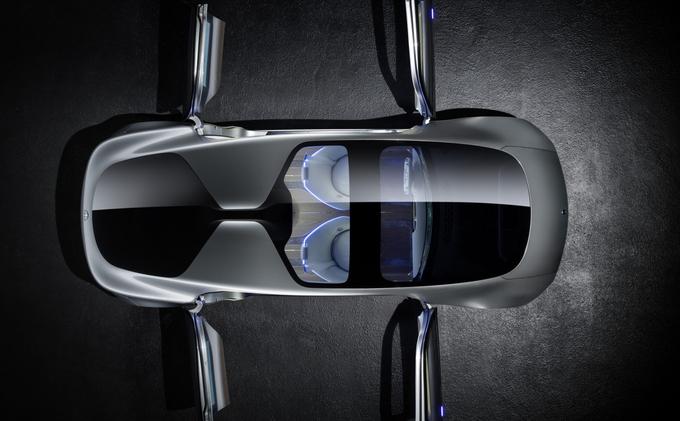 Les 4 portes sont à ouverture antagoniste, évidemment ©  Daimler