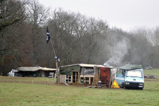 """Le campement des militants """"zadistes"""" près du chantier du polémique barrage de Sivens, le 6 janvier 2015 © Pascal Pavani AFP"""