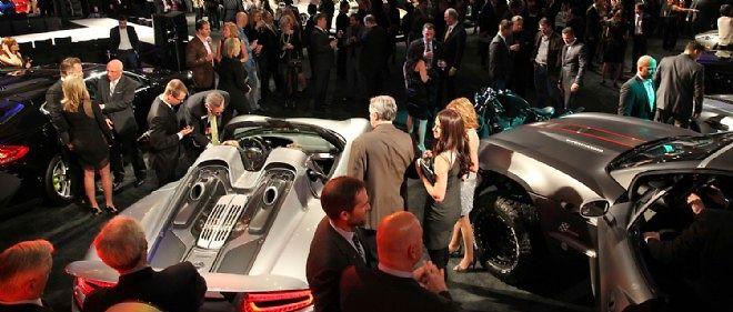 La galerie MGM a regroupé en prélude au salon quelques-unes des plus belles voitures du moment pour une soirée privée.