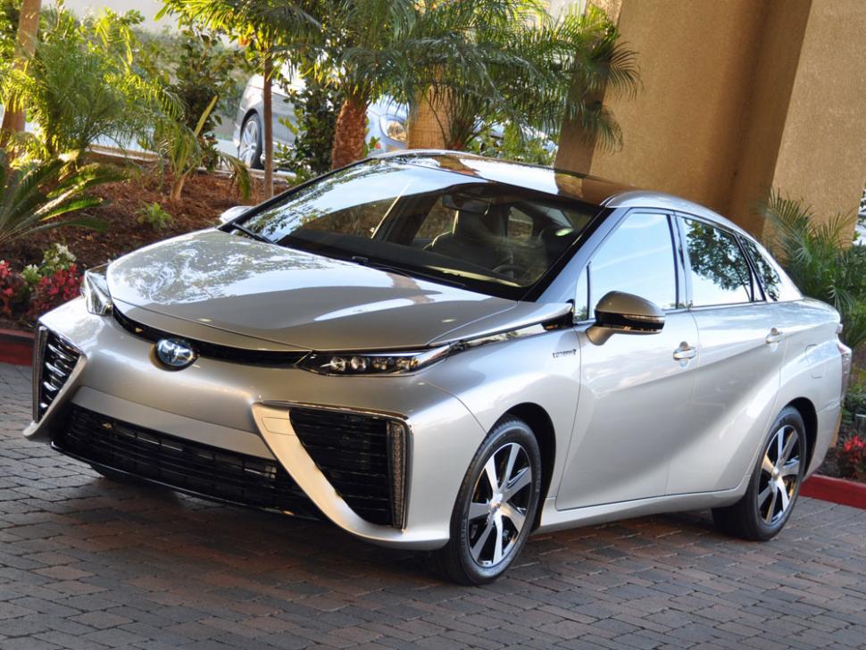 ne haute technologie certes mais un design cauchemardesque pour la Toyota Mirai ©  DR