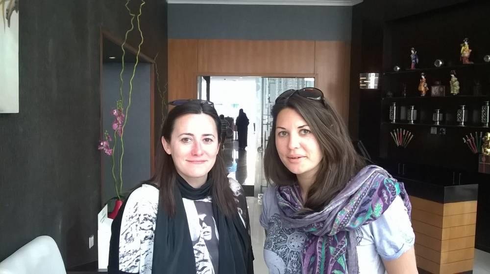 Belén et Beatriz Lucha Vivo, supportrices espagnoles de l'équipe de handball du Qatar ©  DR
