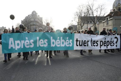 """Manifestation """"pour la vie"""" dédiée à la dénonciation de l'avortement, le 25 janvier 2015 à Paris © Bertrand Guay AFP"""