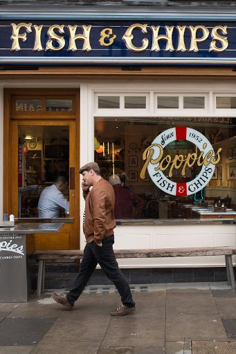 La devanture du restaurant de fish and chips Poppies, à Londres, le 26 janvier 2015 © Leon Neal AFP
