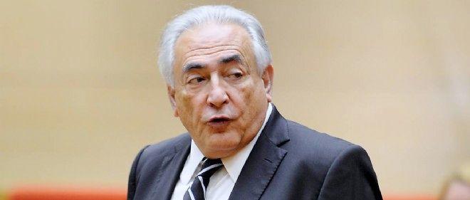 Le procès pour proxénétisme, où l'ex-directeur du FMI comparaît aux côtés de 13 autres prévenus, a commencé lundi à Lille.