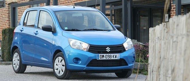 Une bouille qui rappelle la Dacia Sandero mais aussi des caractéristiques bien dans l'esprit de la voiture à juste prix