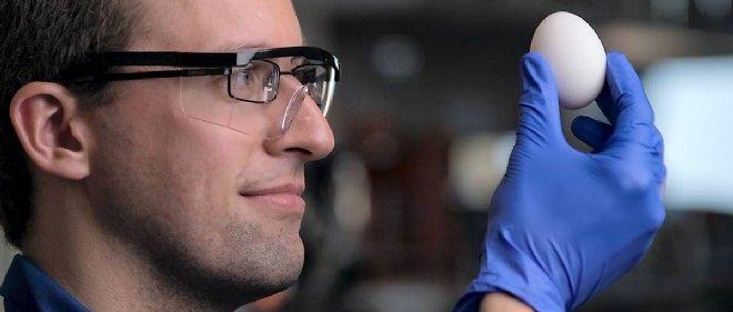 Le chimiste Stephan Kudlacek de l'université de Californie fait partie des chercheurs qui ont permis l'inattendue découverte.