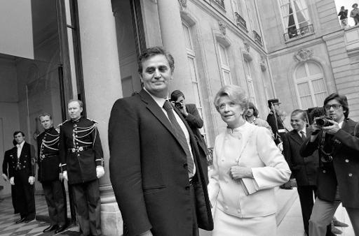 L'acteur français Roger Hanin avec sa femme Christine Gouze-Renal à Paris le 21 mai 1981 ©  AFP/Archives