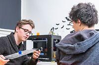 Le travail collaboratif et l'innovation au coeur des FabLabs. ©Julien Faure