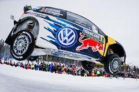Sébastien Ogier s'impose pour la deuxième fois de sa carrière en Suède et consolide son avance en tête du championnat du monde des rallyes. ©JONATHAN NACKSTRAND
