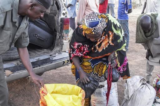 Une réfugiée de Diffa fuyant Boko Haram, arrive dans les environs de Zinder le 13 février 2015 © Robert Leslie AFP