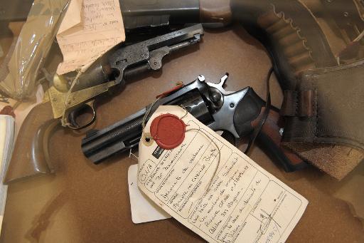 Les armes à feu exposées le 14 juin 2010 au procès de Jean-Louis Muller, à Colmar © Frederick Florin AFP/Archives